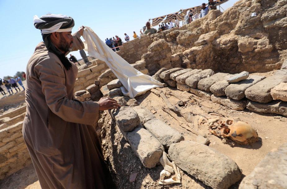 """Egiptas pristatys kasinėjimų faraonų """"aukso amžiaus mieste"""" rezultatus"""