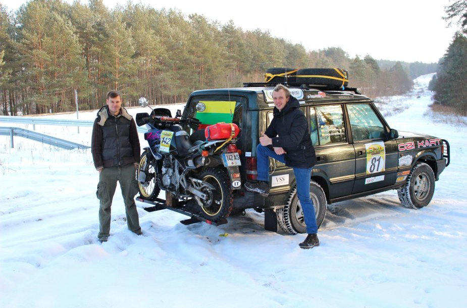 """""""Budapest-Bamako"""" ralyje startuosiantis """"Land Rover Discovery"""""""