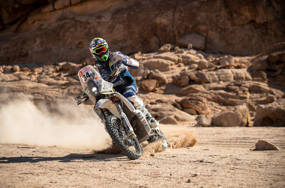 Arūnas Gelažninkas finišavo trečiajame Dakaro ruože