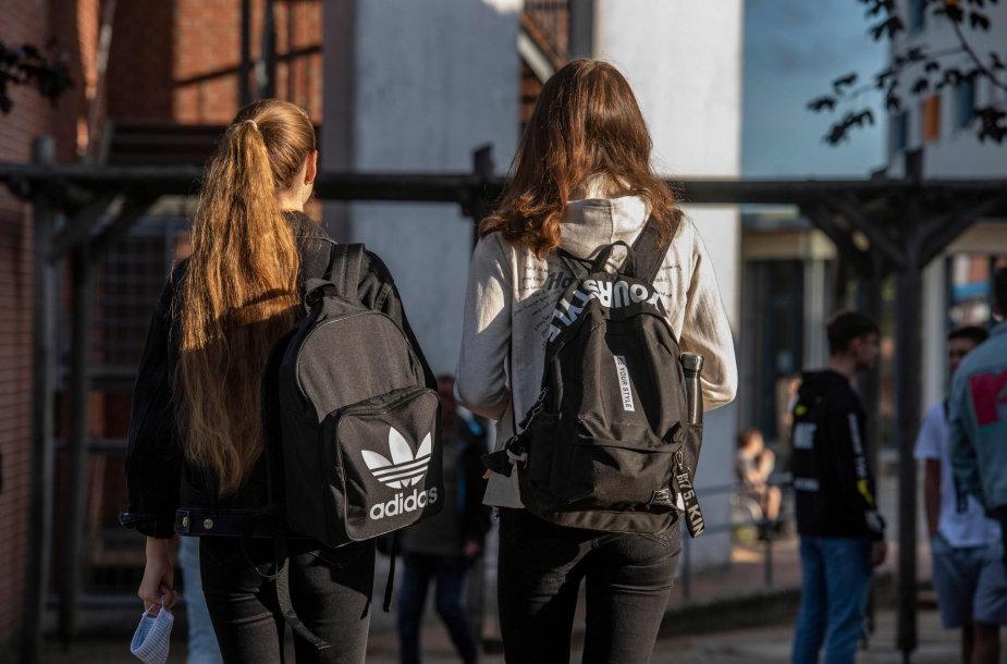 Vokietijoje vaikai grįžta į mokyklas