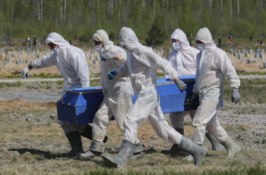 Rusija slepia tikrąją mirčių nuo koronaviruso statistiką?