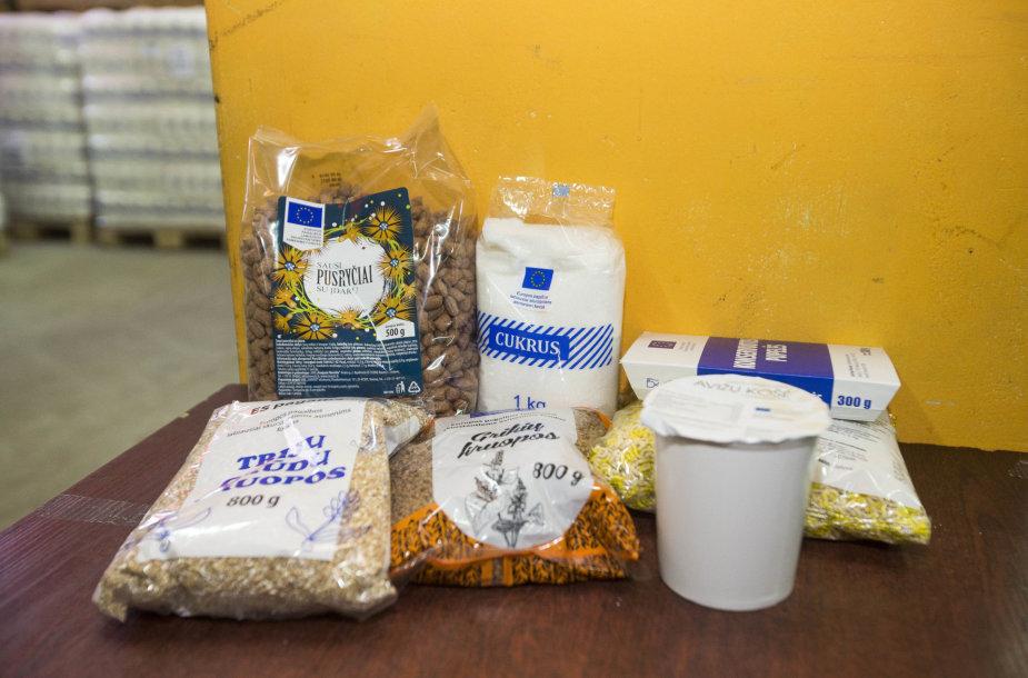 """Prezidentė Dalia Grybauskaitė """"Maisto banko"""" sandėlyje davė startą """"Maisto banko"""" akcijai"""
