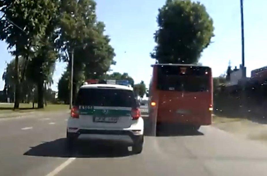 Kauno policijos ekipažo manevrai
