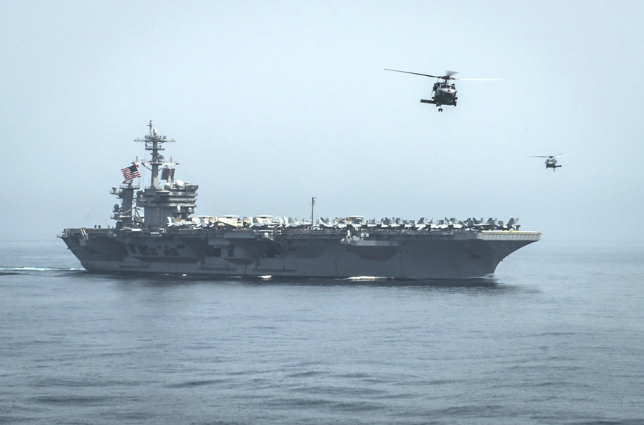 "JAV karo laivas ""USS Carl Vinson"""
