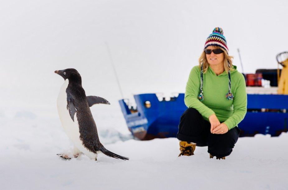 """Antarktidoje įstrigusios laivo """"Akademik Šokalskij"""" keleivė Barbara Tucker"""