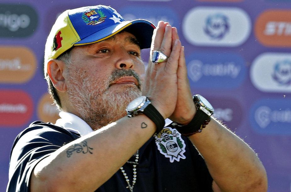 """Diego Maradona dabar treniruoja """"Gimnasia"""" komandą Argentinoje."""