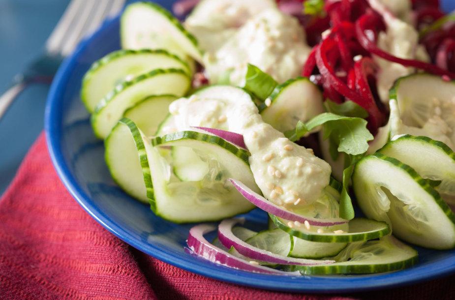 Agurkų salotos