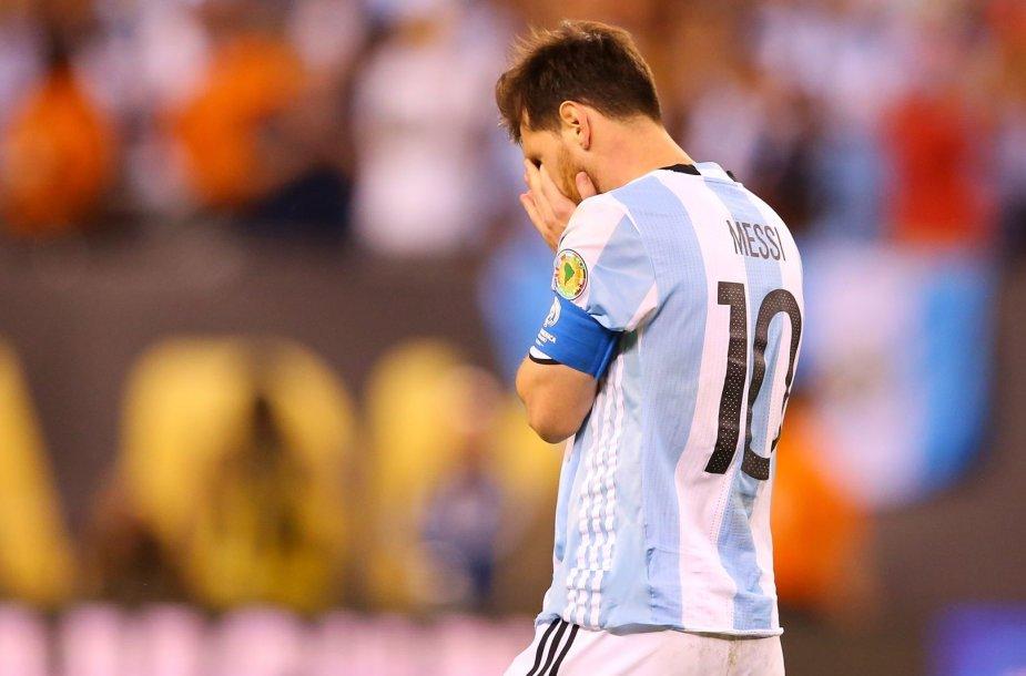 Lionelis Messi 2016 m. Čilei pralaimėtose rungtynėse