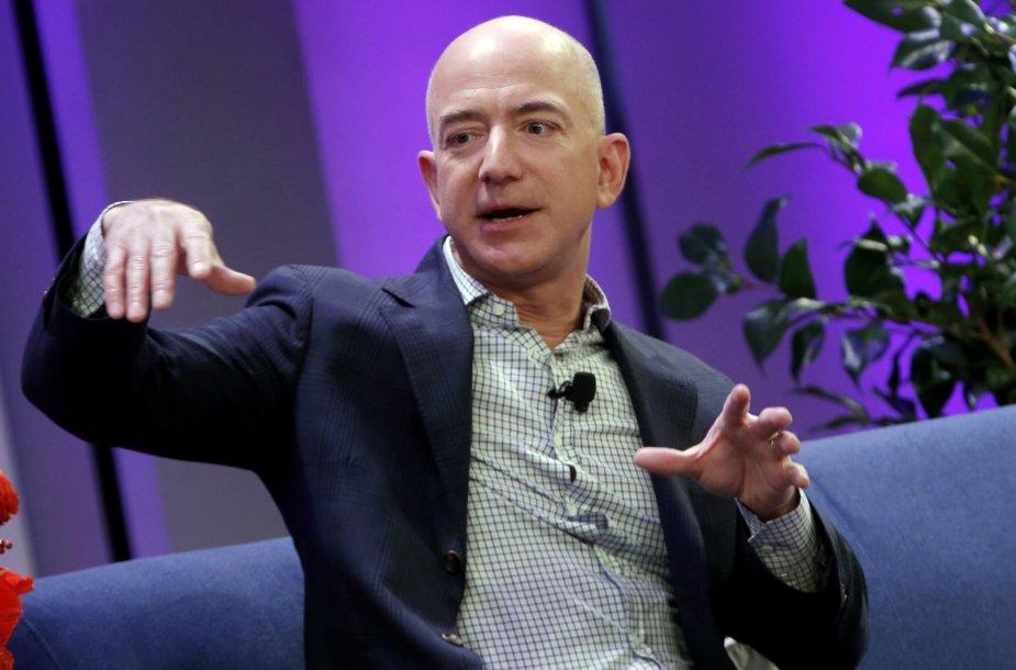 """17. """"Amazon"""" generalinis direktorius Jeffas Bezosas"""