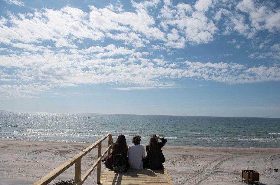Studentų laisvalaikis prie jūros