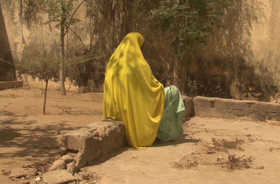 Ši moteris teigė, kad ją prievartavo Nigerijos kariškiai
