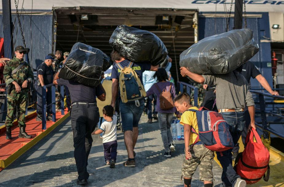 Migrantai išvyksta iš Lesbo salos