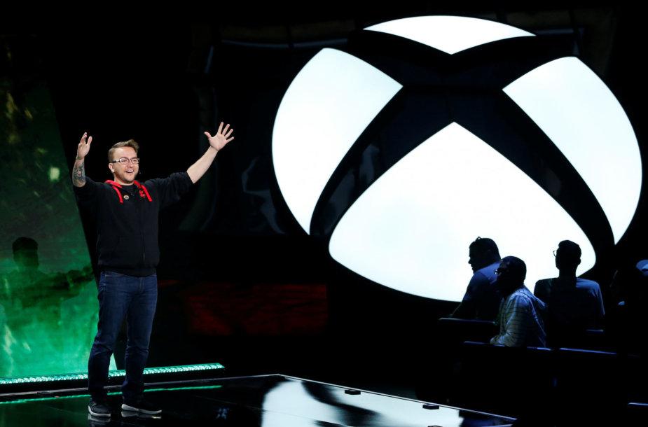 """""""Mixcrosoft Xbox"""" logotipas"""