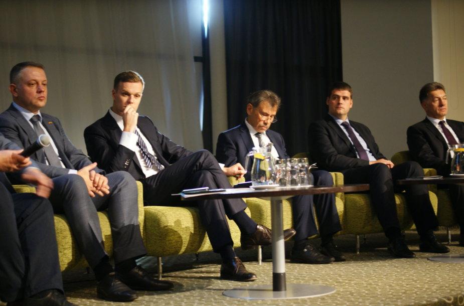 Diskusijos dalyviai