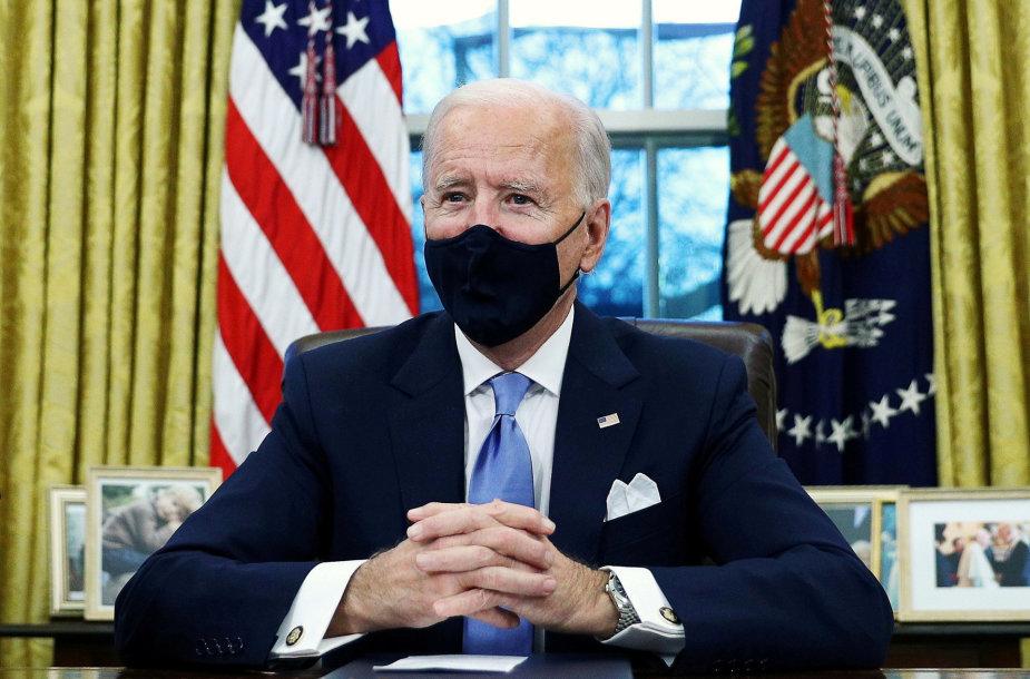 Naujasis JAV prezidentas J.Bidenas įžengė į Baltuosius rūmus