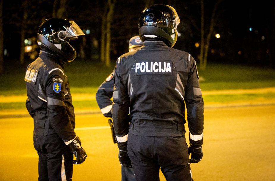 Kelių policijos naktinis reidas