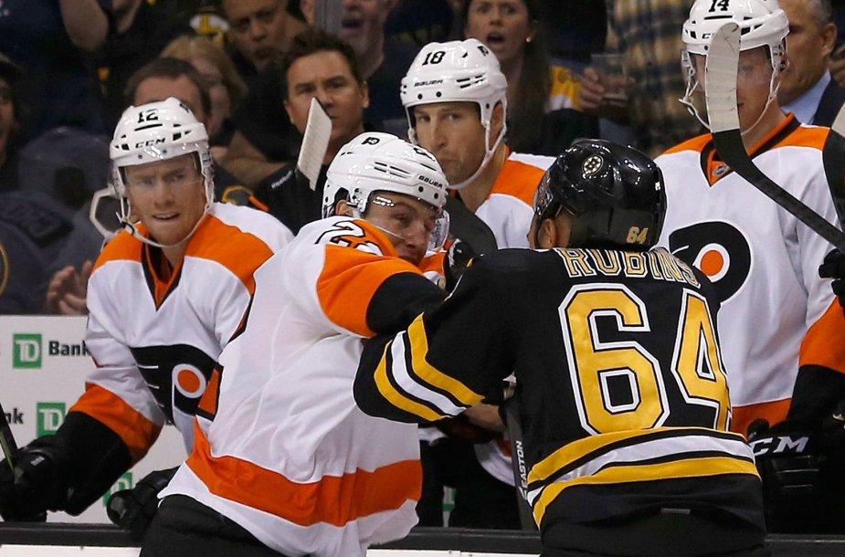 """""""Bruins"""" – """"Flyers"""" rungtynės"""