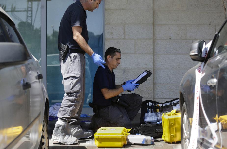 Izraelio policija tiria nusikaltimo vietą.