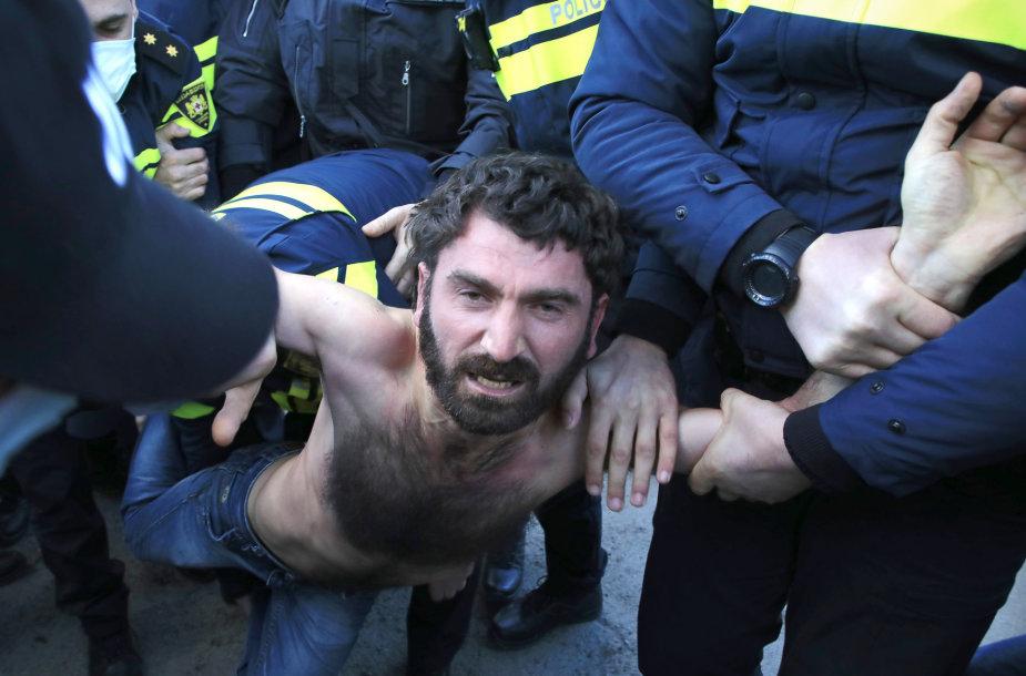 Tbilisyje sulaikomi opozicijos aktyvistai