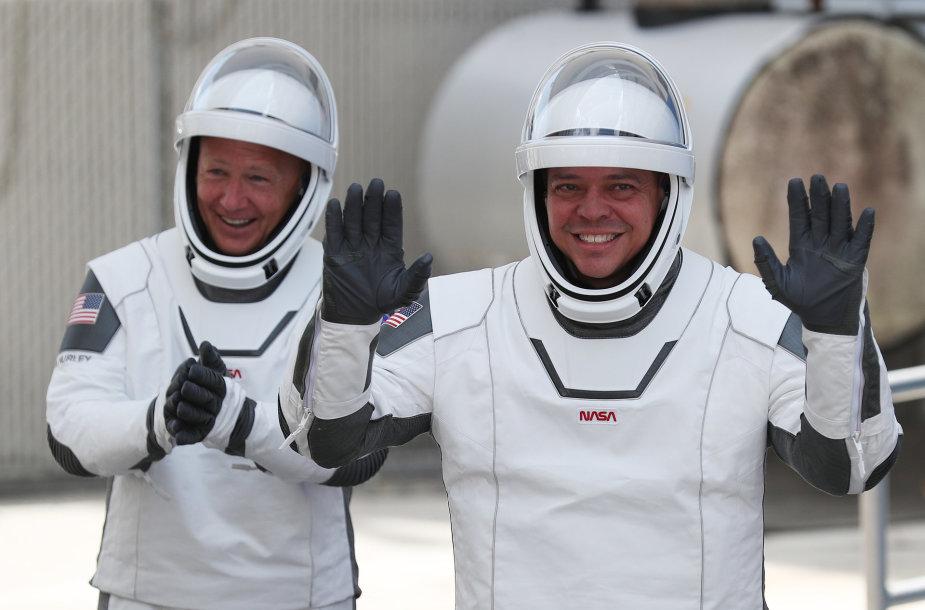 Dougas Hurley ir Bobas Behnkenas