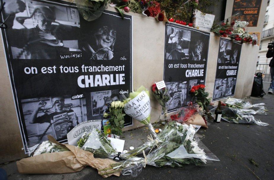 """Prancūzijoje gedima išpuolio """"Charlie Hebdo"""" redakcijoje aukų."""