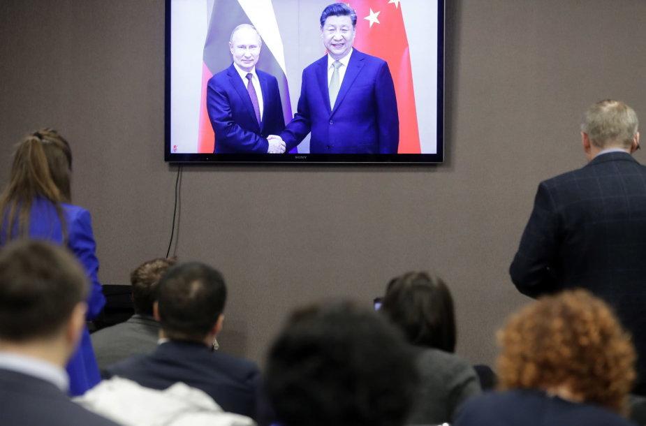 Vladimiras Putinas ir Xi Jinpingas įjungė naująjį dujotiekį iš Sibiro į Kiniją