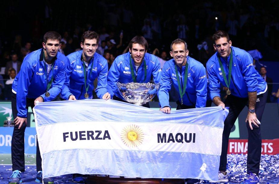 Argentinos rinktinei įteikta Daviso taurė