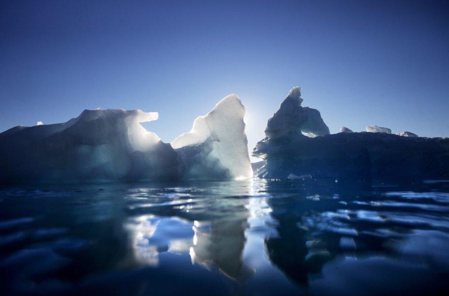 Grenlandijos tirpstantys ledynai ir ledkalniai