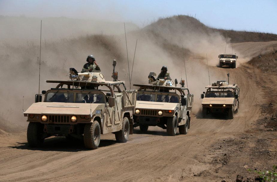 Izraelio pajėgos prie sienos su Sirija