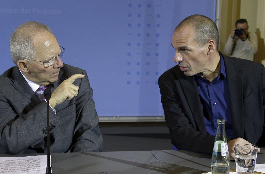Vokietijos finansų ministras Wolfgangas Schaeuble (kairėje) ir Graikijos finansų ministras Yanis Varoufakis.