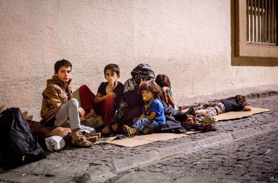 Naktinis migrantų gyvenimas Izmire