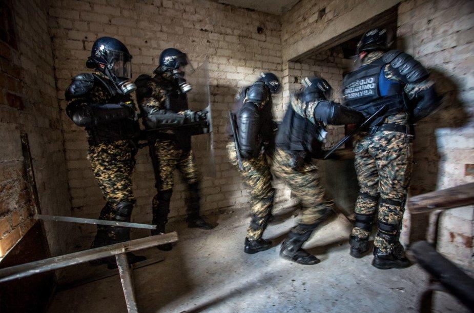 VST pareigūnų pratybos Pravieniškių kolonijoje
