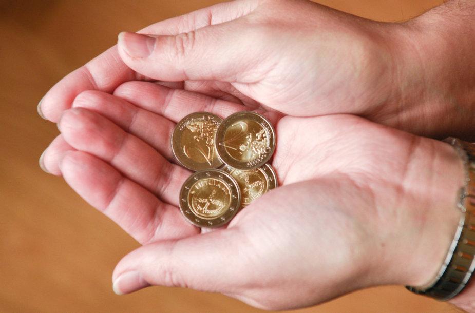 Lietuvos bankas išleido į apyvartą baltų simbolika puoštas monetas
