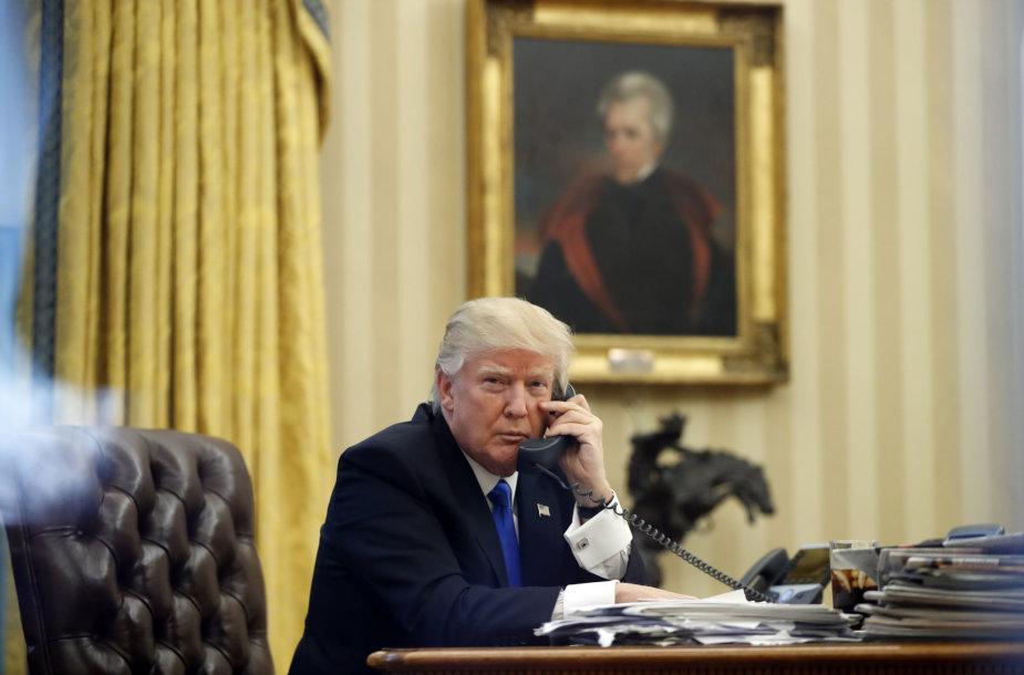 D.Trumpas telefonu kalbasi su Australijos premjeru M.Turnbullu.