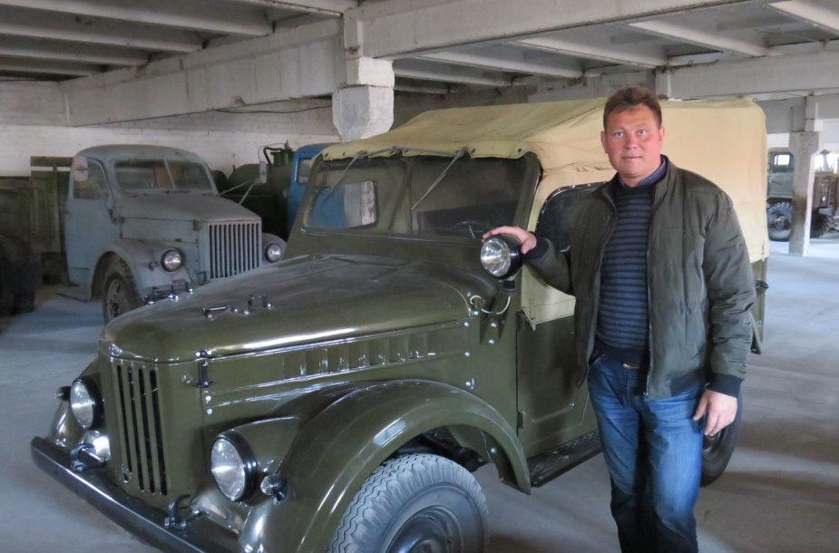 Automobilių muziejus Mickevičių ūkyje