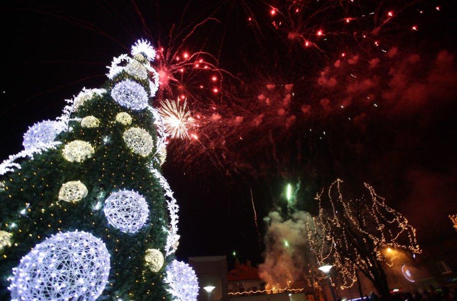 Palanga jau pasipuošė Kalėdų spalvomis