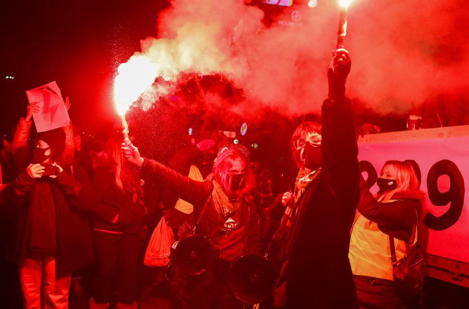 Protestas Lenkijoje Tarptautinės moters dienos proga
