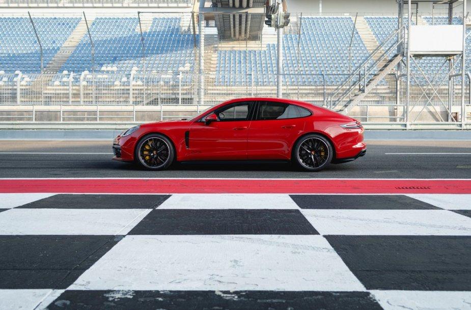 """Porsche Panamera GTS"""