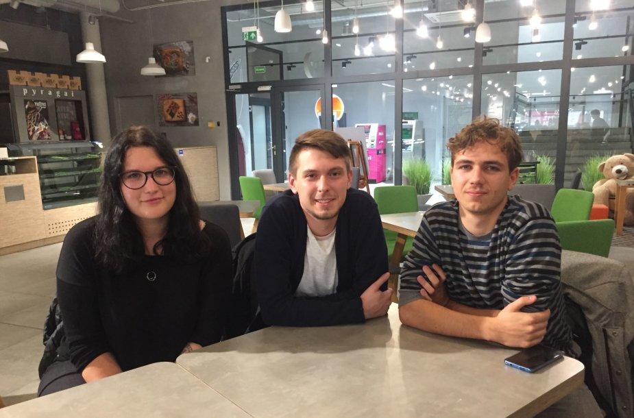 Kaip kompiuterių mokykla gali pakeisti jaunuolių gyvenimą? Pokalbis su buvusiais NKKM studentais