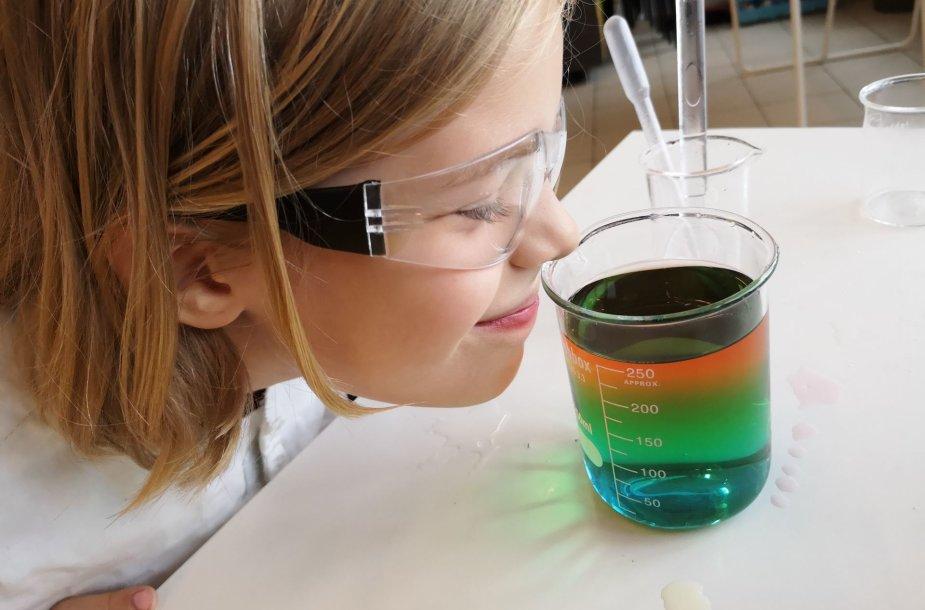 Chemija – įdomus, interaktyvus ir ateitį kuriantis mokslas