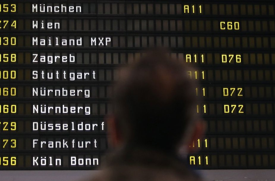 """""""Lufthansa"""" dėl streiko atšaukė tūkstančius skrydžių."""