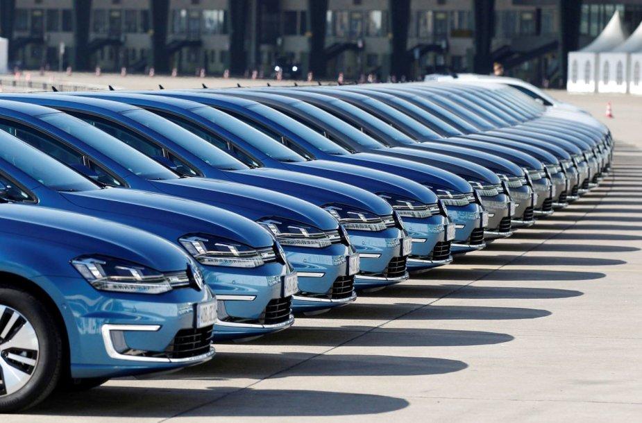 "Naujieji ""Volkswagen"" e-Golf automobiliai Berlyne"