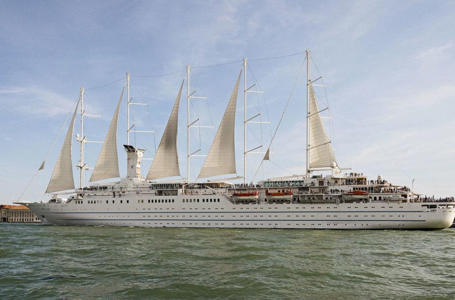 """Į Klaipėdą atplauks įspūdingas kruizinis laivas """"Wind Surf""""."""
