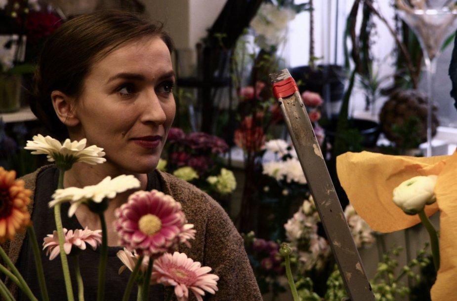 """Kadras iš filmo """"Tulpių nėra"""""""