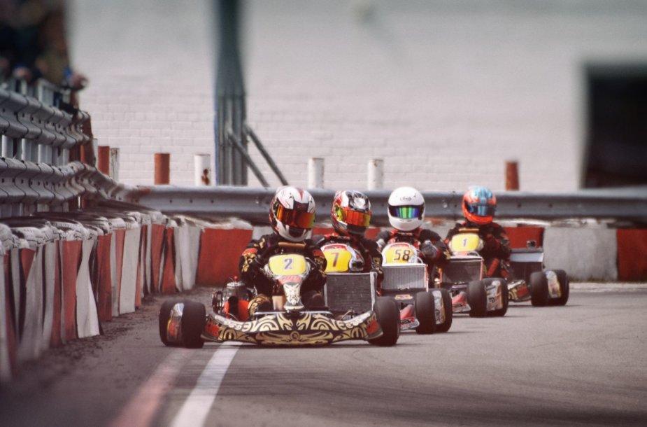 Apdovanojo greičiausius šių metų kartingo čempionato lenktynininkus