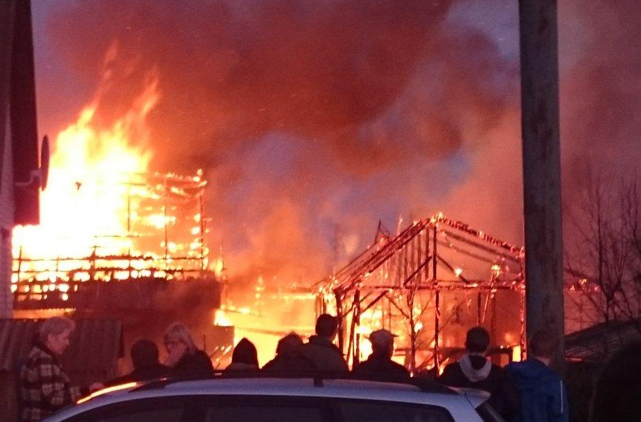 gaisras Žiežmarių miestelyje