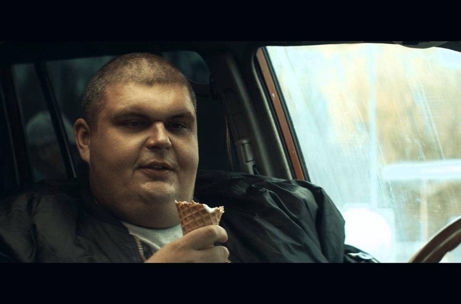 """VIDEO kadras: \""""Traukinio apiplėšimas, kurį įvykdė Saulius ir Paulius\"""" filmo tyzeris"""