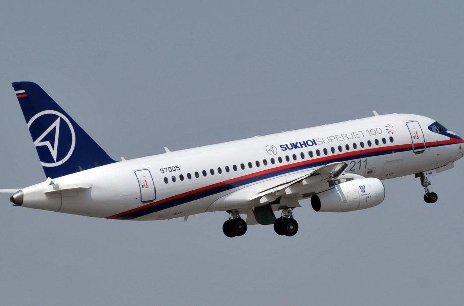 "Rusijos keleivinis laineris ""Sukhoi Superjet"""