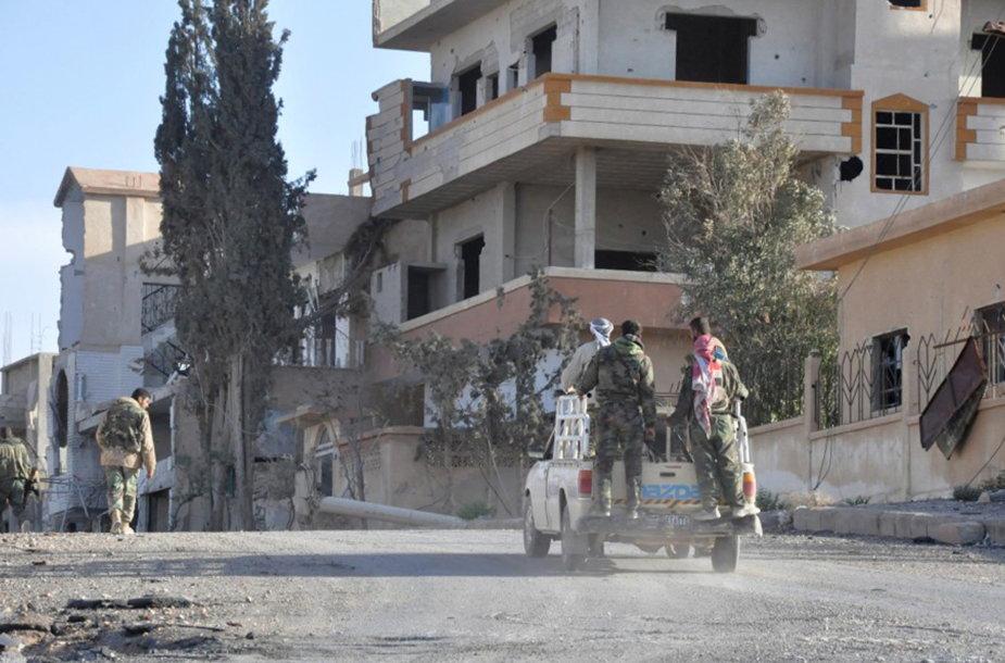 Sirijos kariai al Karjataino mieste.