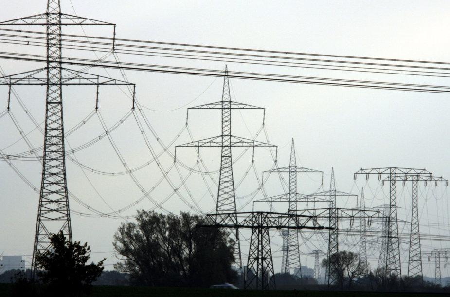 Elektros perdavimo linijos netoli Berlyno